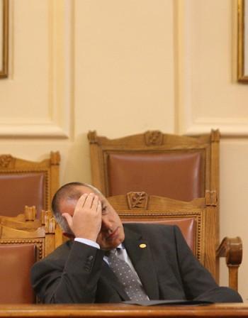 Спасението на Борисов е нов кабинет с Костов!