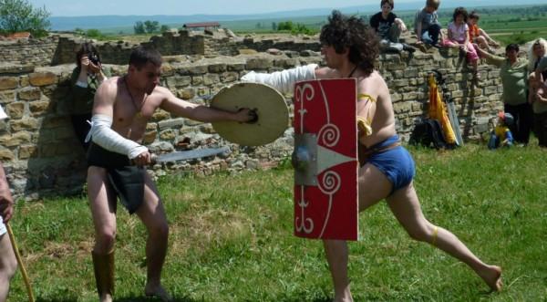 Гладиаторски битки и продажба на роби през 21 век