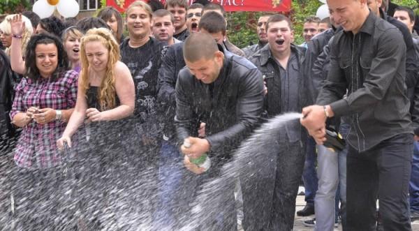 неделя выпускных балов в Болгарии