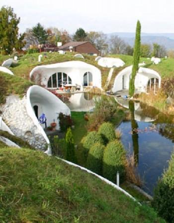Най-интересните подземни къщи в света