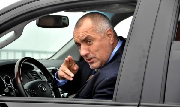 Борисов се радва на народна любов, кабинетът му - не толкова