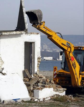"""Приеха """"амнистията"""" за незаконните строежи преди 2001 г."""