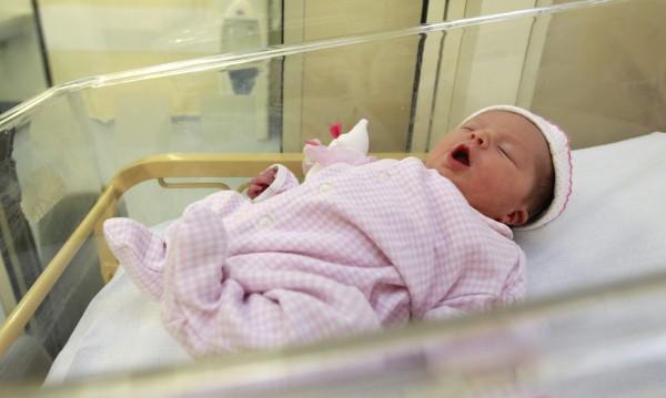 Най-странните бебешки имена за 2012 година