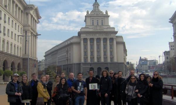 Коледа за чужденци: тур по жълтите павета