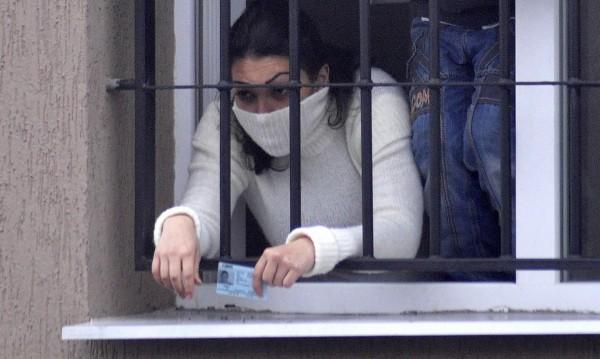 Законови поправки ограничават правата на бежанците
