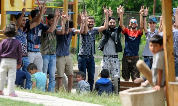 Милиони към Европа, у нас центровете за бежанци – пусти