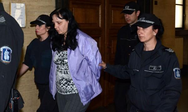 Нова защита за акушерката Ковачева: Родови травми, не побой