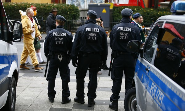 Полицай на всеки метър в Кьолн на Нова година