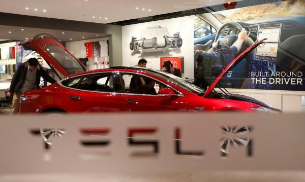 Tesla открадна топ талант на Apple