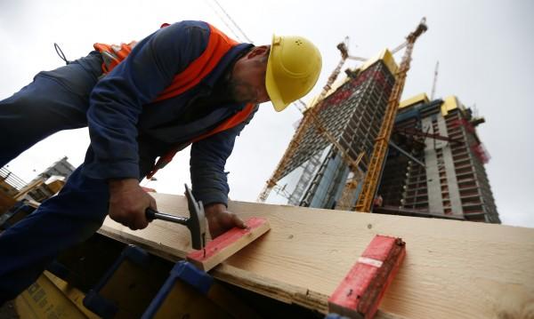 Бизнесът плаща с 8% повече за отработен час