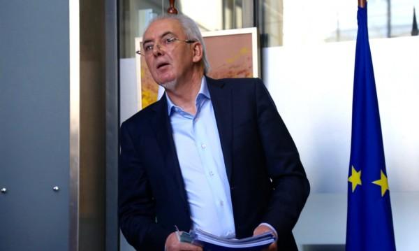 Местан скочи на Радев: Иска репресивни закони!