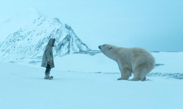 """Деца сред ледовете, с мечка и хъски  в """"Операция """"Арктика"""""""