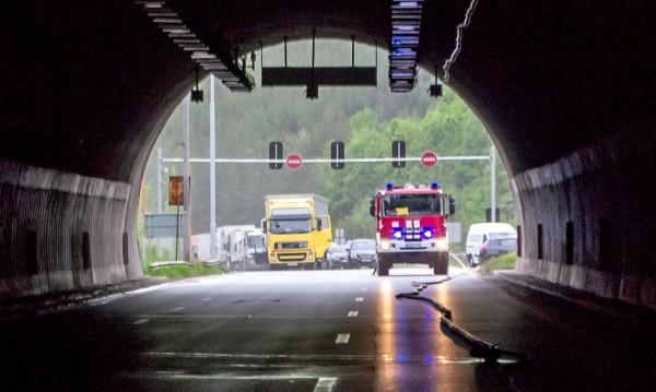 Пътят през Кресна: Строят седем тунела и един виадукт