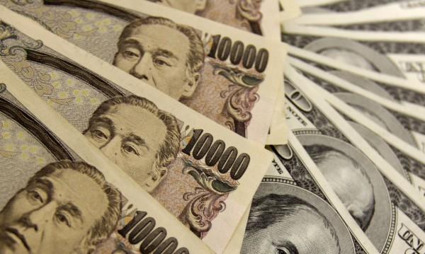 Тежък удар: Крадци задигнаха куфар с пари, тежащ 38 кг!