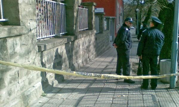 Инцидент в Шумен: Ученичка скочи от прозорец на гимназия