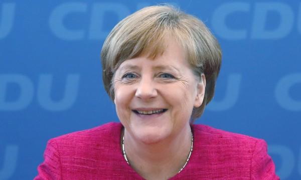 Меркел възкръсна от пепелта на 2016-а, готви се за четвърти мандат
