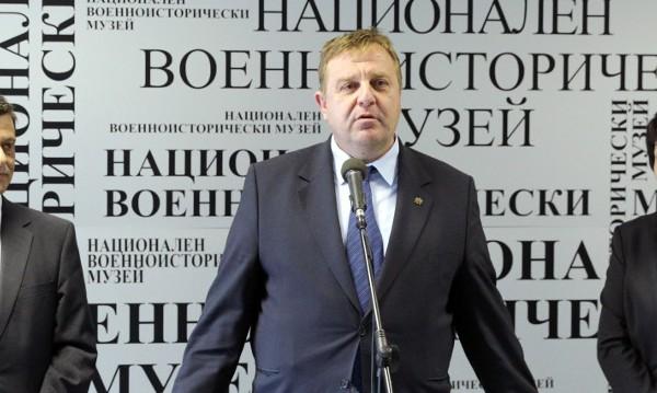 Каракачанов: Наборната служба ще се възстанови!