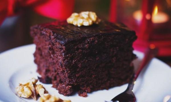 Рецептата Dnes: Брауни със смокини, какао и орехи