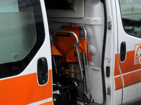Снимка: 12-годишен нападнал фелдшерката в Роман, ритал я гърба