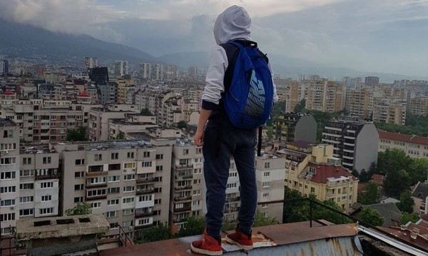 Снимка от ръба на покрива! Майки, страшно е, наистина...