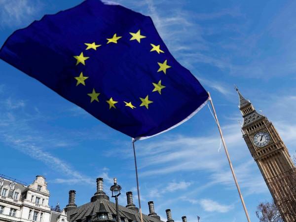 Великобритания започва днес преговорите за излизане на Обединеното кралство от