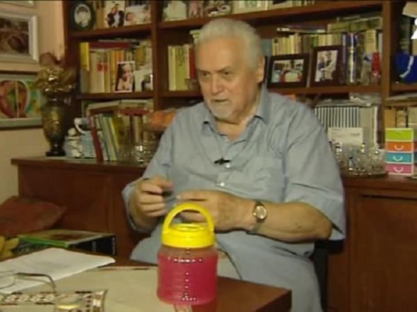 998гледания    Още видеоГласувай: 0 гласаПреди 22 години професор