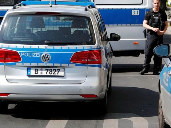 Германската полиция разследва твърдение в интернет, с което се поема
