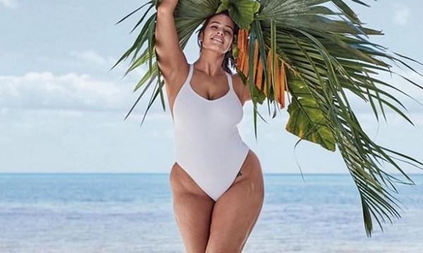 Ашли Греъм по бански – доза лято и доза целулит