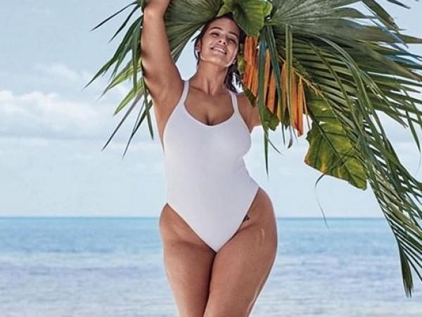 Пищният модел Ашли Греъм се подготвя за лятото. Звездата подгря