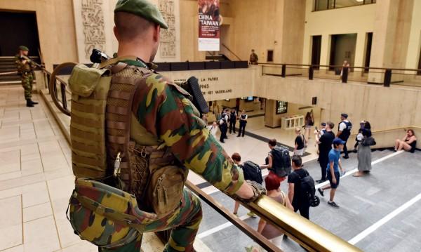 Терористът от Брюксел – пътувал с такси и метро