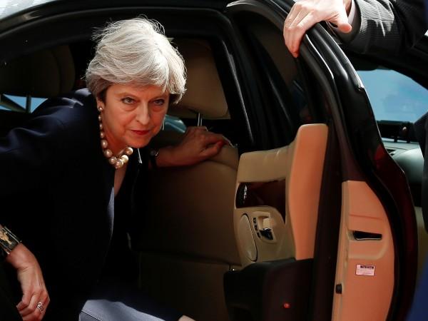 Късно снощи британската министър-председателка Тереза Мей представи първо пред лидерите