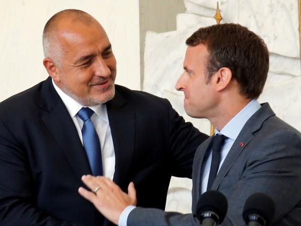 Френският президент Емануел Макрон се позова на разговора си с