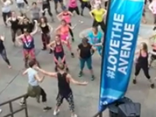 Снимка: Виждали ли сте зумба по ритми на Андреа? В Щатите има!