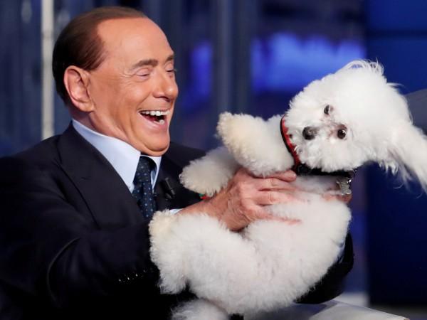 Бившият италиански премиер Силвио Берлускони съобщи днес, че ще оглави