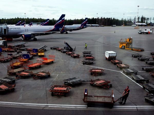 Полетите на московското летище Шереметиево закъсняват средно от 10 до