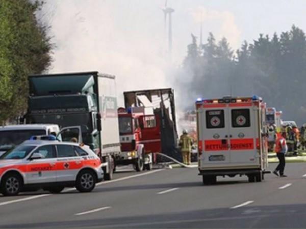 След тежка катастрофа с камион на магистрала А9 във федералната