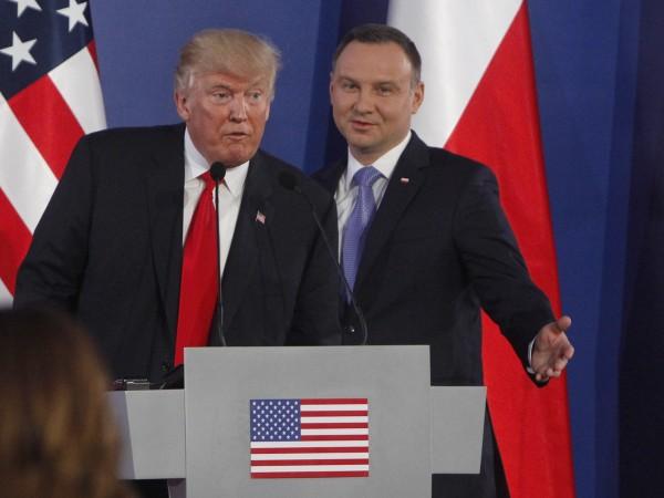 Президентът на САЩ Доналд Тръмп отправи към Русия редки за