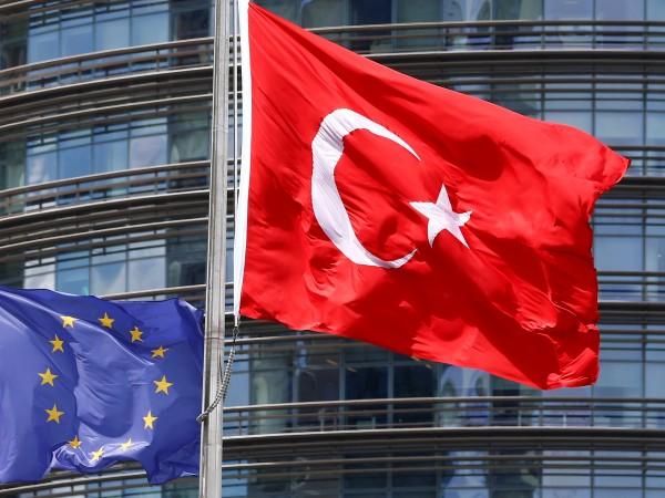Европейският парламент призова за спиране на преговорите за членството на
