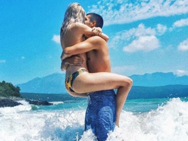 Снимка: Задръж летните страсти: 4 места, на които е опасно да правим секс