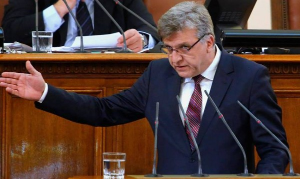 Соцдепутат отива на съд за купуване на гласове