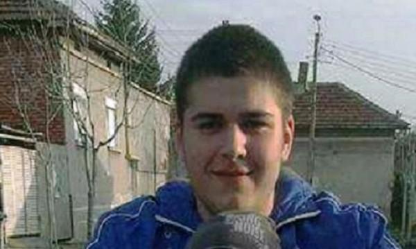 Бяла в траур заради смъртта на 18-годишния Алекс