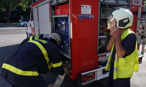 Край Провадия: Цистерна се обърна и запали след удар с бус