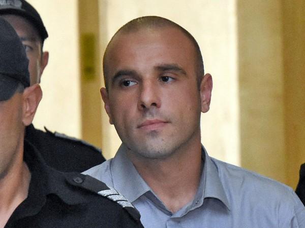 Снимка: Убиецът на Виола наръгал съкилийник с писалка в окото