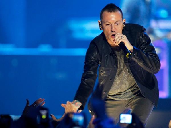 Самоубийството на певеца на Linkin Park Честър Бенинтгън дошло като