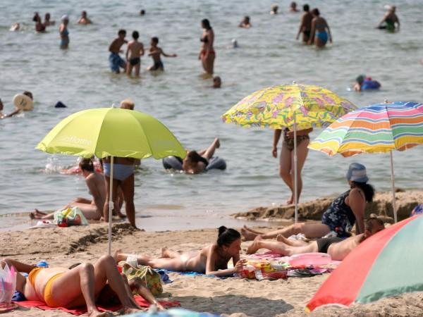 Над 440 украинци обслужват туристите по Северното Черноморие, съобщи председателят