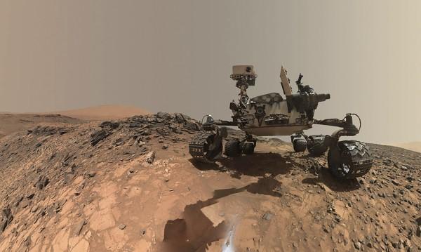 """Апаратът """"Кюриосити"""" – пет години в търсене на живот на Марс"""