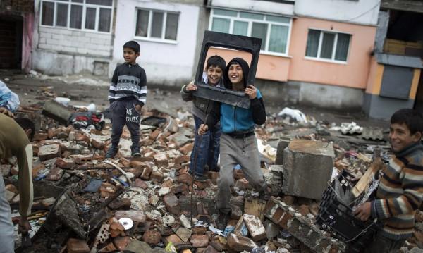 Германия иска от милиардите, предназначени за роми у нас