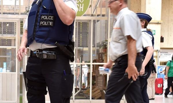 Полицаи стреляха по подозрителна кола в Брюксел