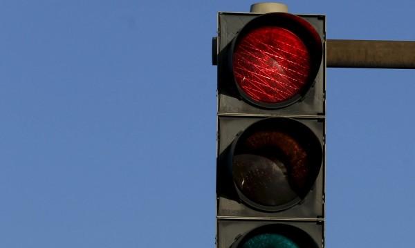 Светофар падна в Банско, причината – транспарант