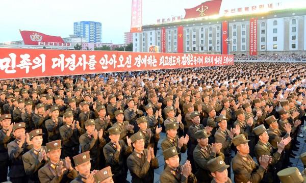 В името на КНДР: 3,5 млн. доброволци за армията